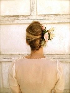 How-To Hair Girl | Make a statement with floral hairstyles fit for a DIY bride.