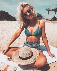✔ Summer Pictures With Boyfriend Travel Beach Vibes, Summer Vibes, Summer Beach, Summer Pictures, Beach Pictures, Beach Picture Poses, Beach Instagram Pictures, Instagram Beach, Instagram Girls