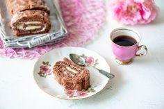 Milloin viimeksi olet leiponut vanhan ajan unelmatorttua, jonka täyte on vatkattu kuohkeaksi voista ja tomusokerista. Tämä on sellainen herkkuleivonnainen, että se tuo mieleen monta lapsuusmuistoa. French Toast, Breakfast, Food, Morning Coffee, Essen, Meals, Yemek, Eten