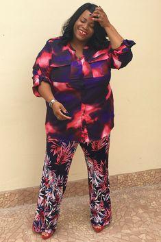 Plus size fashion, pattern mixing, print mix, plus size summer fashion Pattern Mixing Outfits, Plus Size Summer Fashion, Mode Plus, Mixing Prints, Violet, Two By Two, Calvin Klein, Jumpsuit, Impression