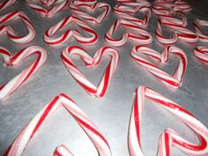 4 adorable homemade Valentine ideas.  Buy those candy canes when they are on clearance!