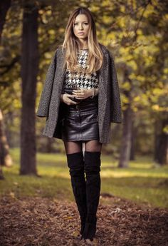 Fall 2015 Fashionable outfits with overknee boots - Women Bottoms Estilo Blogger, Blogger Style, Look Fashion, Fashion Outfits, Womens Fashion, Fashionable Outfits, Fall Fashion, Fashion Heels, Botas Sexy