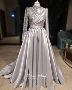 Hijab Evening Dress, Hijab Dress Party, Party Gowns, Muslim Evening Dresses, Hijab Gown, Evening Gowns With Sleeves, Prom Dresses With Sleeves, Fancy Dress Design, Hijab Fashion Inspiration