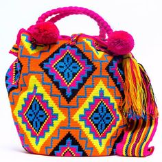 100% Handmade Limited Edition Hermosa Wayuu bags are rare art. Only small amounts are made because of the complexity and method to produce a single #wayuubag www.wayuutribe.com