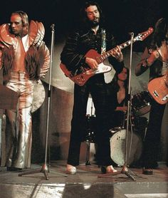 As Glam As Glam Can Be: Brian Eno, Phil Manzanera, Paul Thompson and John Porter live with Roxy Music, 1973 Brian Eno Roxy Music, Paul Carrack, John Wetton, Gibson Firebird, Music Flow, Baby Kiss, Glam Rock, Favorite Person, Classic Rock