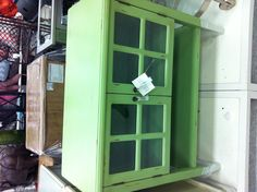 Oh how I love green furniture