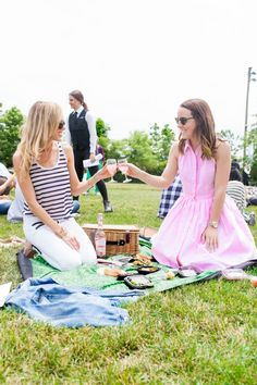 Picnic in the park... A must-do this summer!