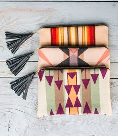 Welcome to Jual Grosir Tas Spunbond - seaecho Handmade Bags, Handmade Crafts, Textiles, Diy Purse, Printed Bags, Fabric Crafts, Bag Accessories, Purses And Bags, Bohemian