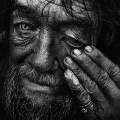 Lee Jeffries portrait photographer. LO