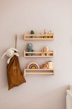 Home Interior Classic .Home Interior Classic Kids Room Shelves, Nursery Shelves, Nursery Design, Nursery Decor, Room Decor, Geek Nursery, Diy Air Dry Clay, Meme Design, Home Decoracion