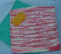 Spring Buds Facecloth #free #knit #knitting #pattern #bath #bathroom #freeknittingpattern