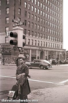 WWII-era solider on the corner of Hollywood and Vine
