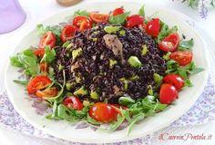 insalata di riso venere con salmone Antipasto, Gnocchi, Italian Recipes, Cobb Salad, Avocado, Food And Drink, Beef, Healthy Recipes, Ethnic Recipes