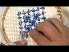 ▶ Punto de estrella y cuadro, Técnica Hardanger. Editorial Toukan - YouTube