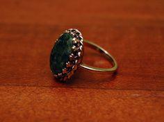 14k Gold Ring Size 9 with Prong & Bezel Set Jade Stone