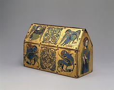 Chasse de Champagnat Fecha: ca. 1150 Geografía: Hecho en Limoges, Francia Cultura: Francés Medio: Cobre: grabado y dorado; esmalte champlevé: azul-negro, azul medio, turquesa, verde, rojo y blanco
