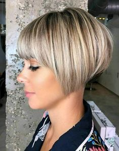 Pixie Bob Hairstyles, Stacked Bob Hairstyles, Short Bob Haircuts, Cute Hairstyles For Short Hair, Hairstyles Haircuts, Chic Short Hair, Short Hair Styles Easy, Short Hair Cuts For Women, Bob Short