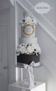 Charcoal grey and gold cake design trimmed with hand dyed Kate Cullen Silk ribbon