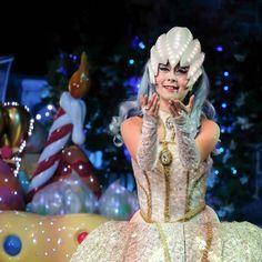 ありがとうを今 のところかな キレイ   #闇の女王 #ノッテ  #miraclegiftparade #ミラクルギフトパレード #puroland #ピューロランド #ピューロランドダンサー  #ピューロダンサー   #kawaii #冬ピューロ  #ピューロアンバサダー #廣瀬愛 さん Princess Zelda, Disney Princess, Disney Characters, Fictional Characters, Aurora Sleeping Beauty, Instagram Posts, Fantasy Characters, Disney Princesses, Disney Princes