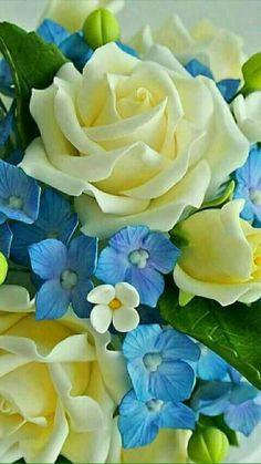 56 super ideas for cupcakes fondant flores gum paste Sugar Paste Flowers, Icing Flowers, Fondant Flowers, Clay Flowers, Paper Flowers, Fondant Flower Tutorial, Fondant Bow, Fondant Cakes, Beautiful Rose Flowers