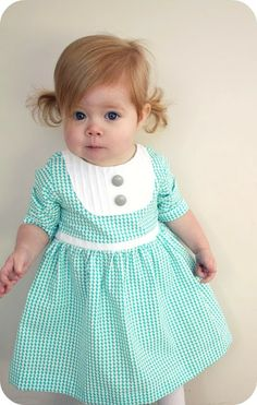 pleated yoke Dress - step by step Photo tutorial - Bildanleitung Baby Kind, My Baby Girl, Sewing For Kids, Baby Sewing, Sewing Clothes, Diy Clothes, Clothes Refashion, Fashion Clothes, Mini Vestidos