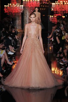 Elie Saab Fall-winter 2014-2015 - Couture - http://www.flip-zone.net:8080/fashion/couture-1/fashion-houses/elie-saab-4809 - ©PixelFormula