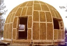 Plastic Bottle Design, Straw Bale Construction, Wattle And Daub, Steel Stairs, Tiny House Cabin, Dome House, Building Systems, Earth Homes, Geodesic Dome
