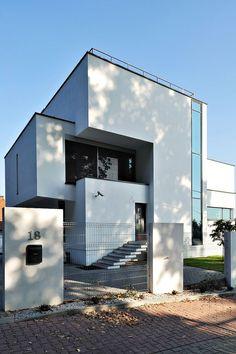 XV house by RS+ Robert Skitek #house #architecture #modern #modernhomes #home #homes #house #houses #cincinnati #ohio #dreamhome #dreamhomes #dreamhouse #dreamhouses #incredible #architecture #architect #realestate #luxury #living #exterior #interior