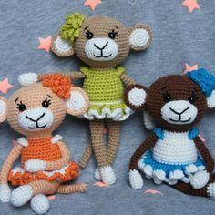 Crochet glamorous monkey - free crochet amigurumi pattern, stuffed toy, #haken, gratis patroon (Engels), aapje met jurk, knuffel, speelgoed, #haakpatroon
