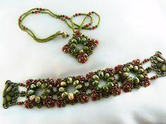 Marona Bracelet - from this blog: http://emoke1.blogspot.com/2013/08/marona-bracelet.html and this pattern: http://ewagyongyosvilaga.blogspot.com/2013/08/marona-medal-minta-marona-pendant.html