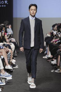 Jang Ki Yong - The Studio K Fall 2015 Seoul Fashion Week