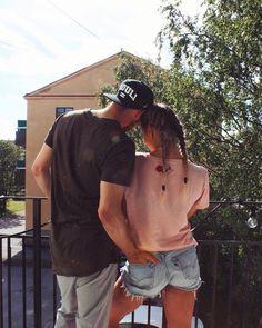 happily // ✧ Boyfriend Goals, Boyfriend Pictures, Cute Couples Photos, Cute Couples Goals, Cute Couple Pictures, Couple Photos, Relationship Goals Tumblr, Cute Relationships, Couple Goals Teenagers