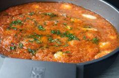 Cazón con salsa de tomate casera