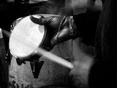 """O projeto """"Chorinduó"""" surge com o intuito de trazer sambas e choros de qualidade para o bairro da Freguesia do Ó. O Samba Madalena é o grupo convidado a participar desta festa no dia 16 de agosto, às 15h, no Boteco Vilas Boas. A entrada é gratuita."""