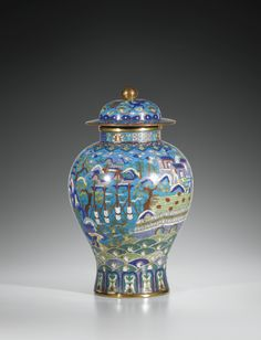 A CLOISONNÉ ENAMEL BALUSTER JAR AND COVER, QING DYNASTY, 18TH/19TH CENTURY