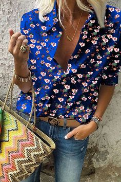 Turn Down Collar Print Blouses 70s Inspired Fashion, 60s And 70s Fashion, Zara Fashion, Look Fashion, African Fashion Traditional, Chic Outfits, Fashion Outfits, Future Clothes, Printed Blouse