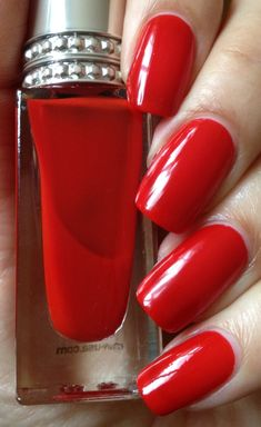 Healthy living at home devero login account access account Fabulous Nails, Gorgeous Nails, Pretty Nails, Dark Red Lips, Glossy Lips, Red Nail Polish, Red Nails, Simply Red, Living At Home