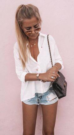 casual style addict / white shirt bag shorts