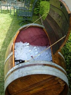 Wine Barrel Ice Chest--Such a cool idea for the back yard! Great for a little boy's birthday party or/and then to be reused for Halloween parties such as haunted ship booty/cargo ice chest. Outdoor Projects, Home Projects, Barrel Projects, Decoration Buffet, Deco Nature, Outdoor Living, Outdoor Decor, Outdoor Privacy, Cool Stuff