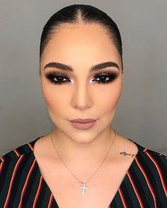 Te ayudaremos a que tu maquillaje luzca bonito y natural Fancy Makeup, Rave Makeup, Red Lip Makeup, Contour Makeup, Flawless Makeup, Smokey Eye Makeup, Glam Makeup, Makeup Inspo, Makeup Inspiration