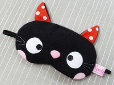 Adorable Black Kitty Kawaii Sleeping Eye Mask - Everyone needs their beauty sleep! (If only for our sanity. Cute Sleep Mask, Fabric Crafts, Sewing Crafts, Craft Projects, Sewing Projects, Craft Ideas, Cat Sleeping, Cat Crafts, Sewing For Kids