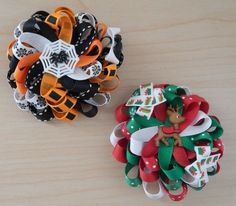 holiday hair This hair bows set includes a Halloween hair bow and a Christmas hair bow. The loopy Halloween hair bow is made with orange, black and white ribbons. In the center, it has a Halloween Hair Bows, Christmas Hair Bows, Reindeer Christmas, Christmas Holiday, Thanksgiving Hair Bows, Halloween Spider, Halloween Halloween, Holiday Ideas, Pink Hair Bows