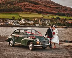 Green Vintage Moris Minor Wedding Car