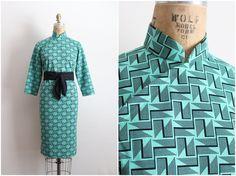 60s Green Geometric Cheongsam Dress / 1960s Vintage Asian Dress / Mod Dress / Size S/M by PARASOLvintage on Etsy