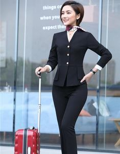 Women's Office Wear Set includes Jacket Pant Uniform – Watch Whole Stylish Office Wear, Work Wear Office, Look Office, Office Uniform, Office Outfits Women, Office Fashion Women, 50 Fashion, Fashion Styles, Fashion Clothes