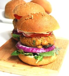 Chana Masala Veggie Burger With Mint Chutney Mayo