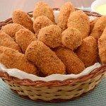 Bolinho Frito de Batata Algarve, Snack Recipes, Cooking Recipes, Food Trends, Food Service, Food Hacks, Finger Foods, Cornbread, Bacon