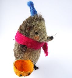 Hey, I found this really awesome Etsy listing at https://www.etsy.com/listing/199196874/original-needle-felted-animal-trick-or
