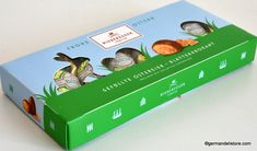 """The """"Niederegger Blätterkrokant Eier - Hazelnut Brittle Eggs"""" are a real treat. Delicate milk chocolate contains a crunchy core of hazelnut brittle, which melts on the tongue with its full-bodied taste. Due to the stylish packaging,..."""