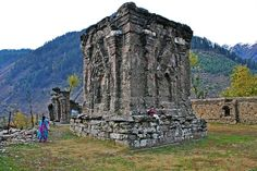 Sarvagjna Peetha, Sharadha Peeth, Kashmir.  This is where,     Adi Shankaracharya ascended the Sarvagna Peetha, Seat of Learning of Throne of Wisdom'     Ramanujacharya visited and contemplated before embarking upon his commentary on Brahma Sutra,     'The temple is so ancient that Kashmir State was earlier known as 'Sharada Peeth'. It is at this temple that Sankaracharya received the right to sit on  the Sarvanjnanapeetham orSarvajna peetha(Throne of Wisdom).